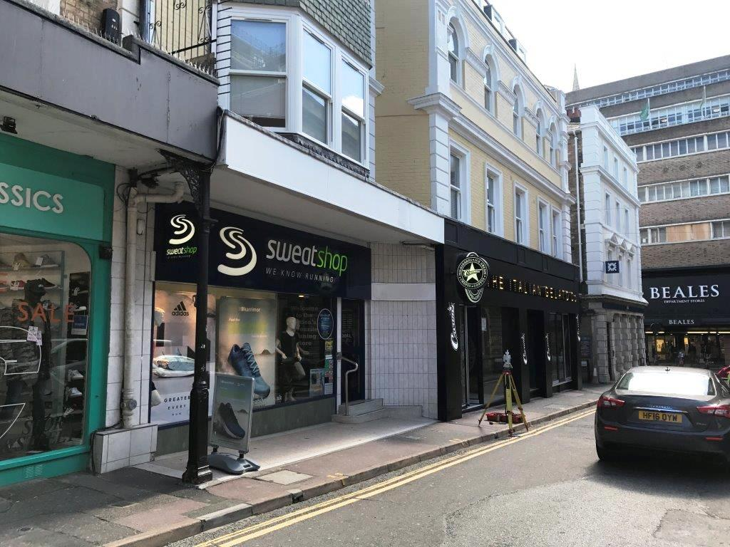 PRIME RETAIL / RESTAURANT UNIT</br>TO LET OR FOR SALE
