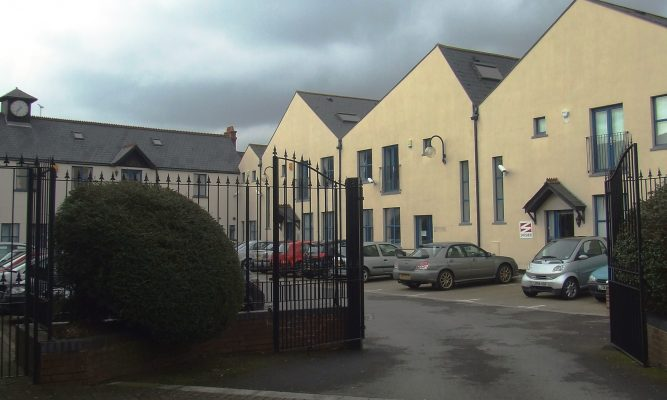 SELF-CONTAINED OFFICES WITH PARKING TO LET
