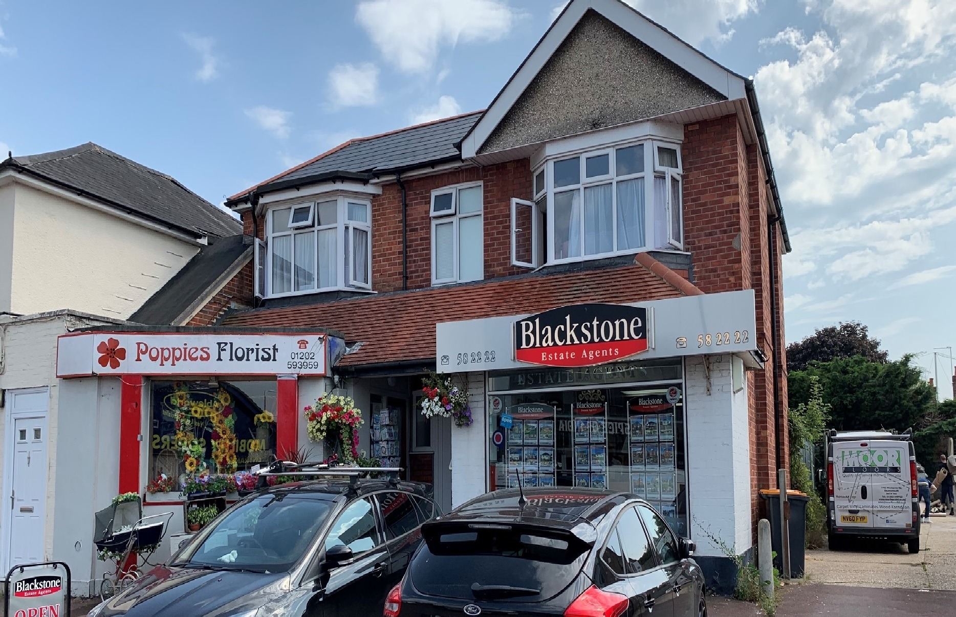 LOCK UP SHOP WITH ACCOMMODATION FOR SALE