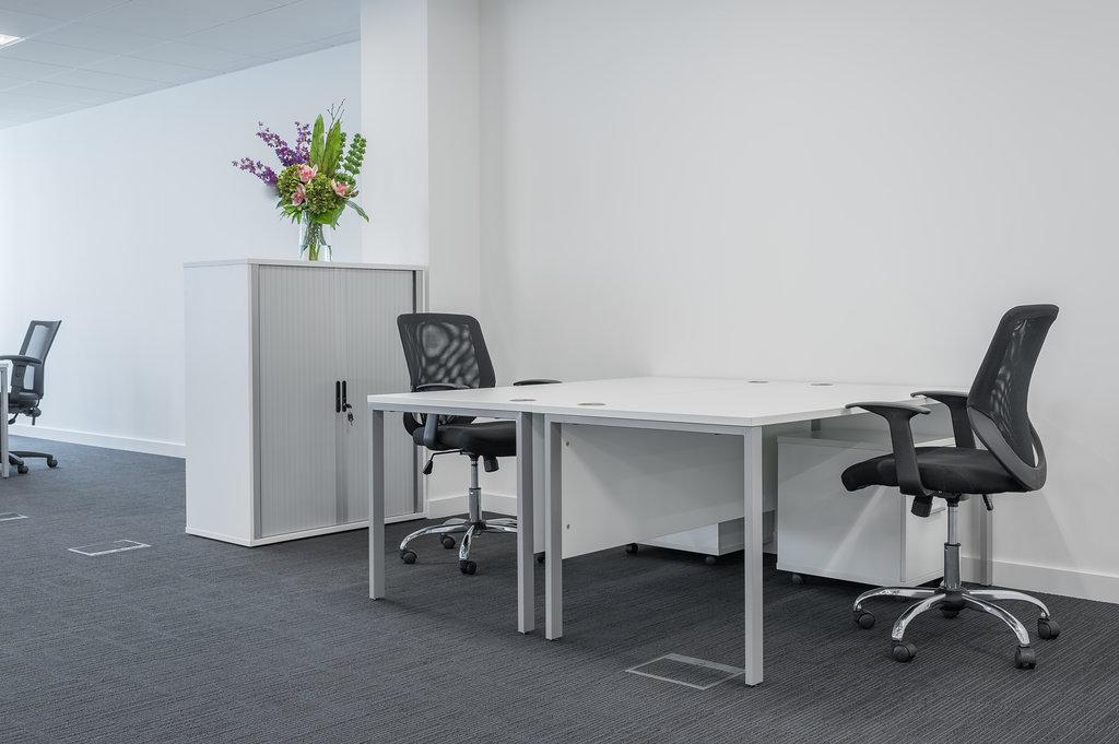 DSC_0532-HDR - Desks @ The Square